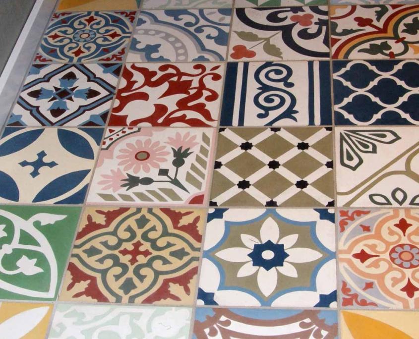 Verlegung von Mosaic Fliesen